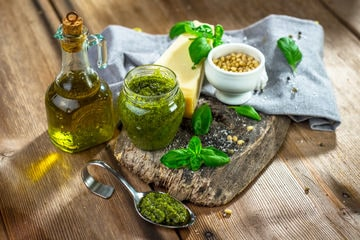 Ingredienti del pesto alla genovese