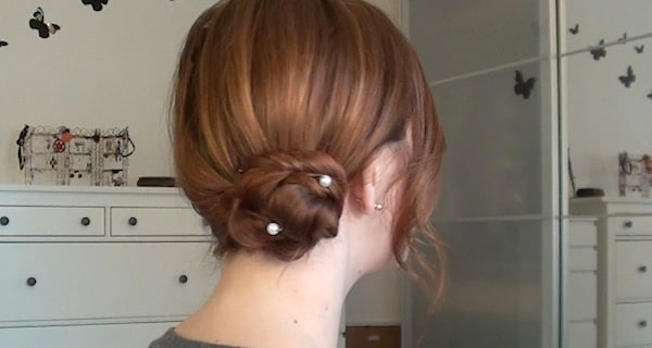 Chignon laterale elegante per San Valentino | Video tutorial